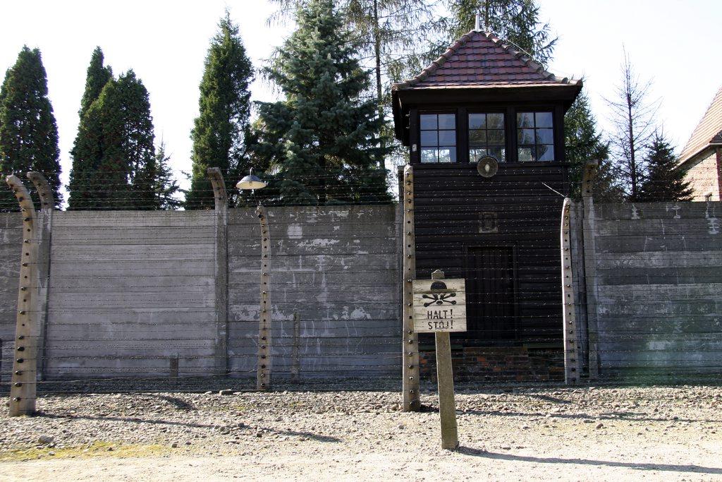 http://www.tunliweb.no/Bilder_SM/_album_Auschwitz/IMG_8397_1024pixel.jpg