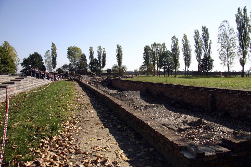 http://www.tunliweb.no/Bilder_SM/_album_Auschwitz/IMG_8407_1024pixel.jpg