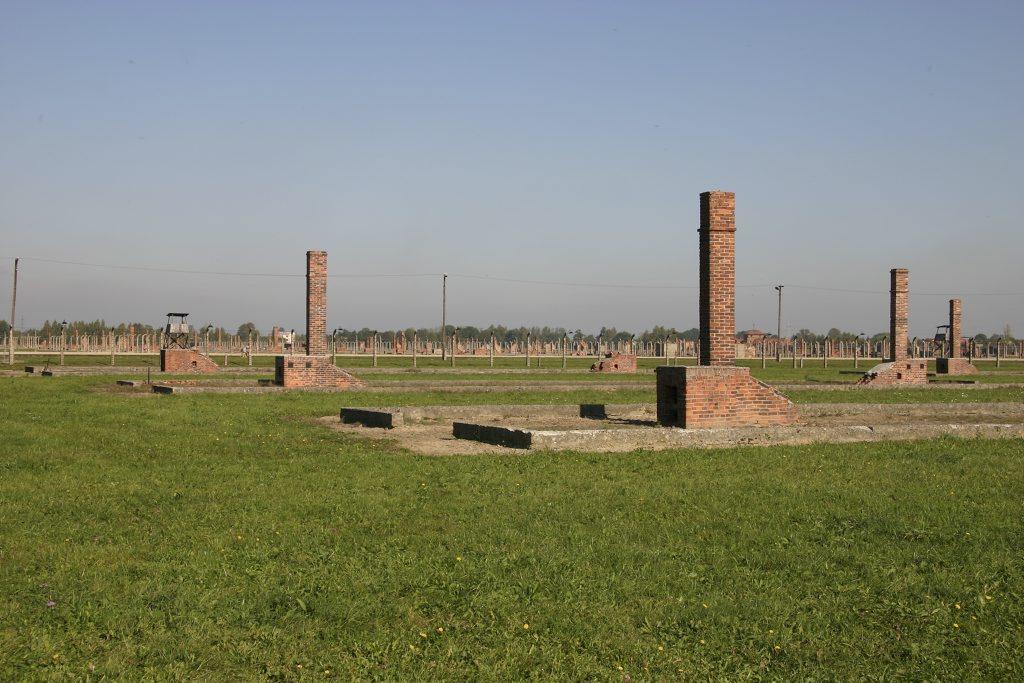 http://www.tunliweb.no/Bilder_SM/_album_Auschwitz/IMG_8413_1024pixel.jpg