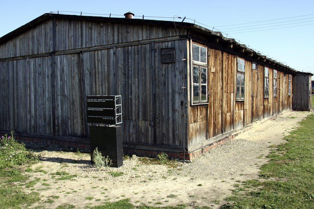 http://www.tunliweb.no/Bilder_SM/_album_Auschwitz/IMG_8415_1024pixel.jpg