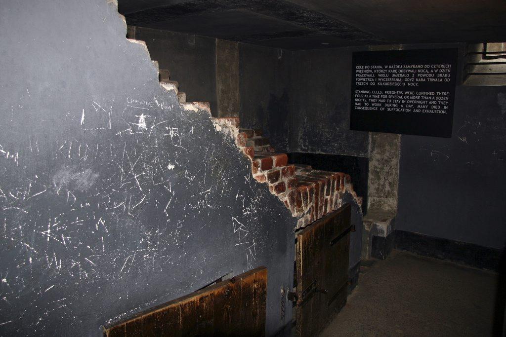 http://www.tunliweb.no/Bilder_SM/_album_Auschwitz/IMG_9197_1024pixel.jpg