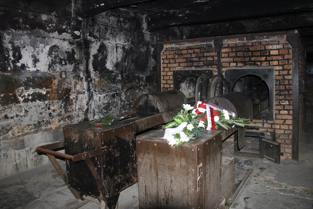 http://www.tunliweb.no/Bilder_SM/_album_Auschwitz/IMG_9213_1024pixel.jpg