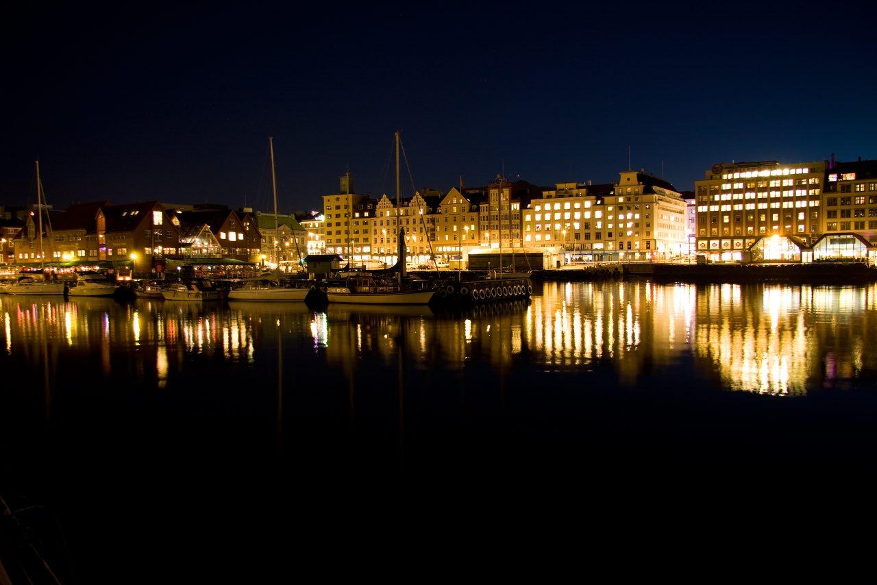 http://www.tunliweb.no/Bilder_SM/_album_Bergen/a4c5_1280pixel.jpg