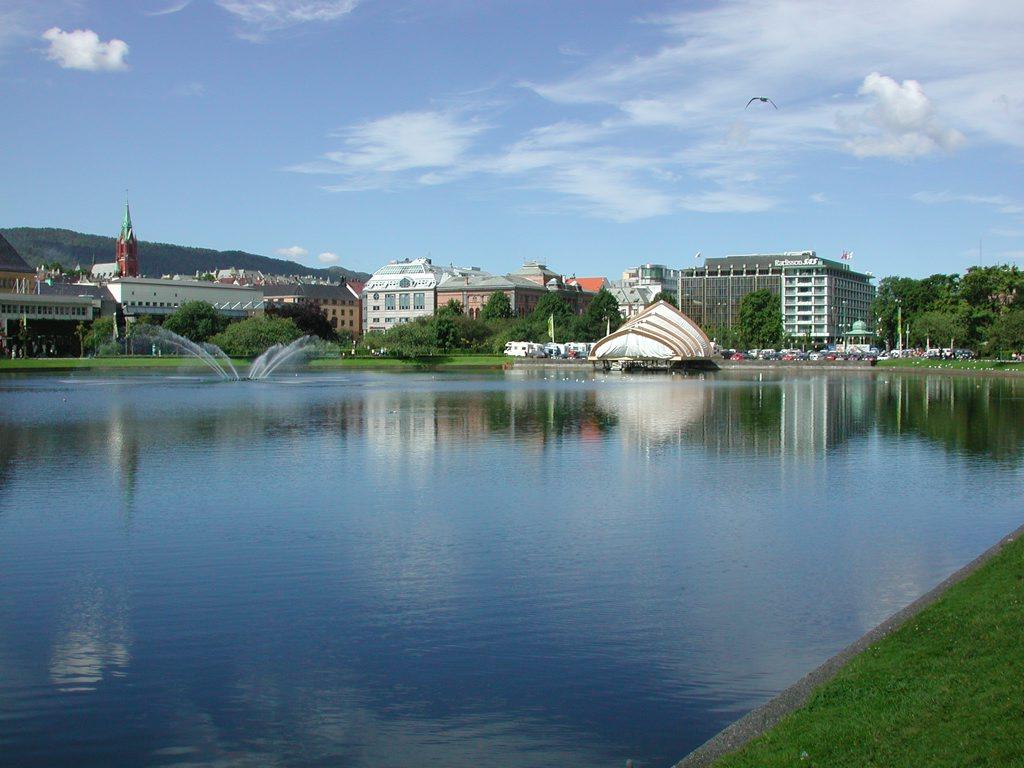 http://www.tunliweb.no/Bilder_SM/_album_Bergen/b4_1024pixel.jpg