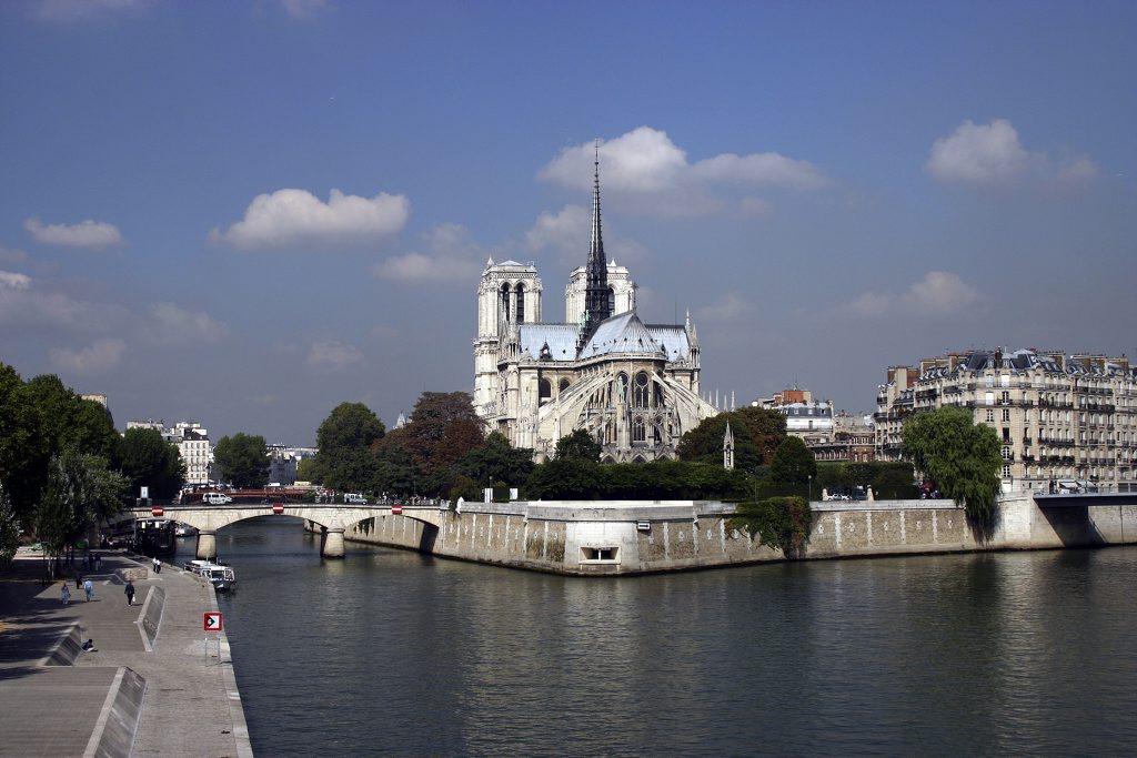 http://www.tunliweb.no/Bilder_SM/_album_Paris/b02_1024pixel.jpg