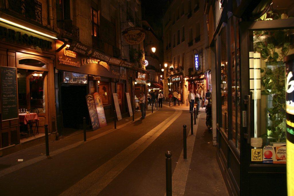 http://www.tunliweb.no/Bilder_SM/_album_Paris/g03_1024pixel.jpg