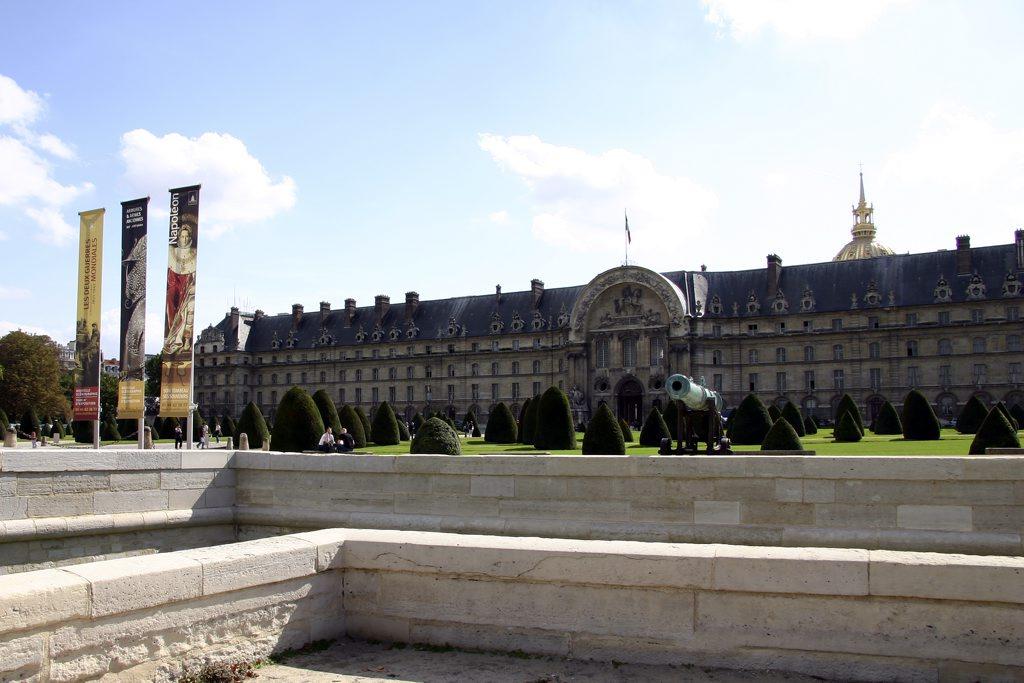 http://www.tunliweb.no/Bilder_SM/_album_Paris/h05_1024pixel.jpg