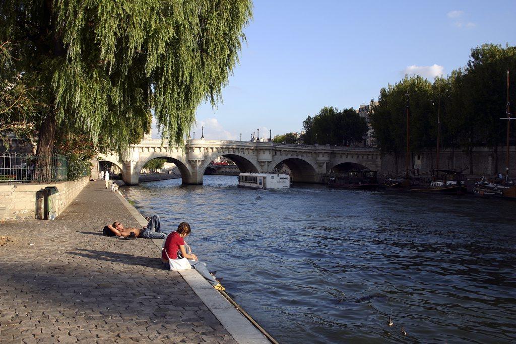 http://www.tunliweb.no/Bilder_SM/_album_Paris/k01_1024pixel.jpg