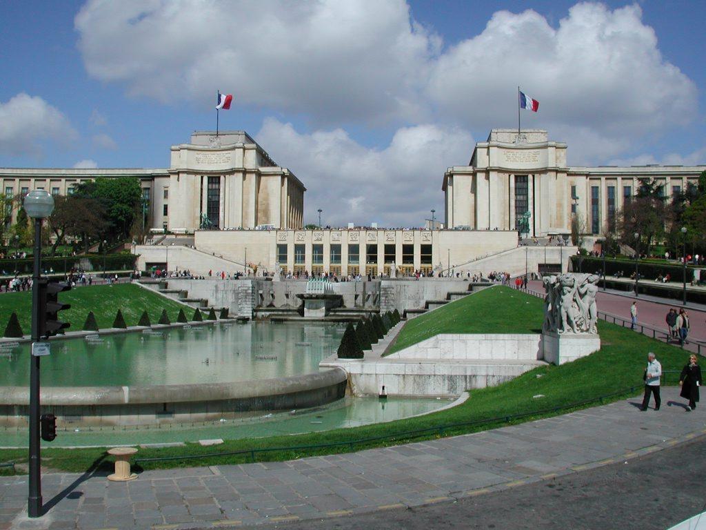 http://www.tunliweb.no/Bilder_SM/_album_Paris/l02_1024pixel.jpg