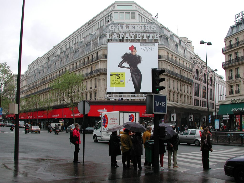 http://www.tunliweb.no/Bilder_SM/_album_Paris/m02_1024pixel.jpg