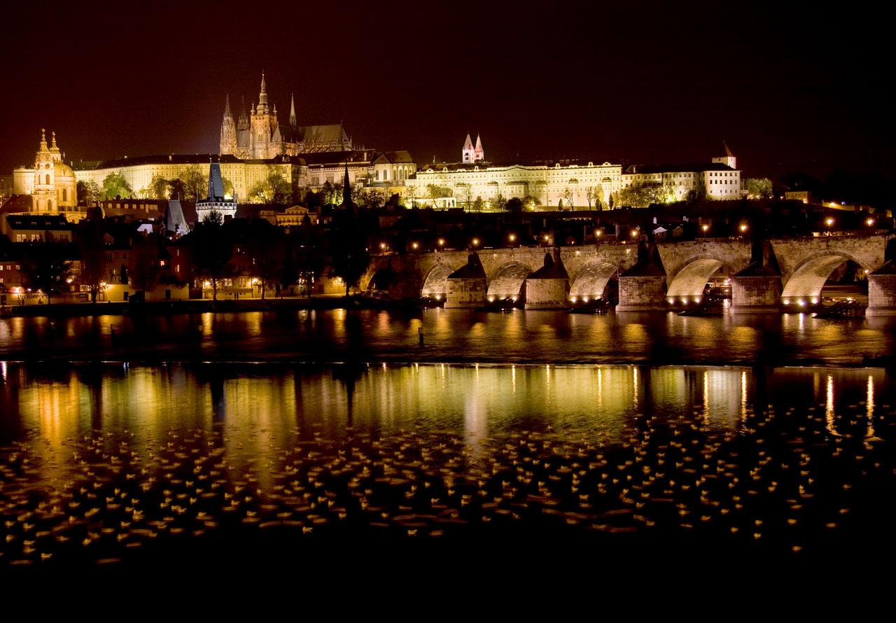 http://www.tunliweb.no/Bilder_SM/_album_Praha2/A1-praha.jpg