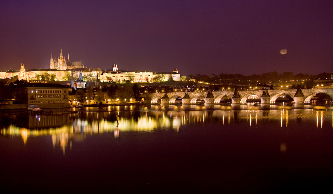 http://www.tunliweb.no/Bilder_SM/_album_Praha2/A9-praha.jpg