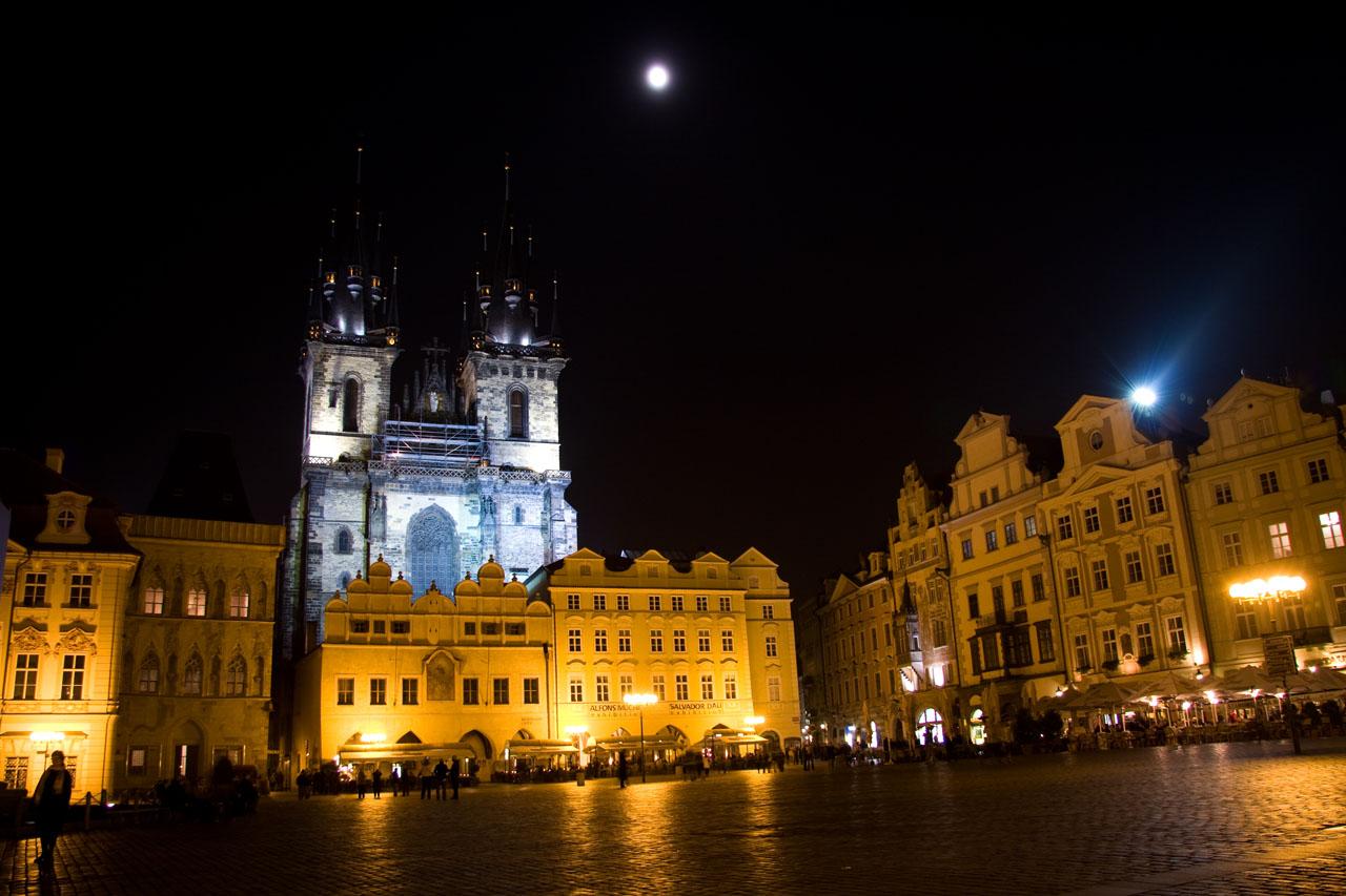 http://www.tunliweb.no/Bilder_SM/_album_Praha2/B9-praha.jpg