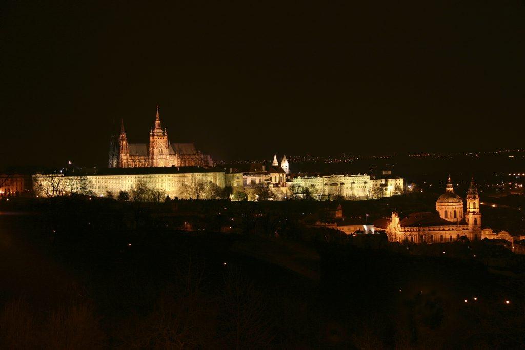 http://www.tunliweb.no/Bilder_SM/_album_Praha2/C1_1024pixel.jpg