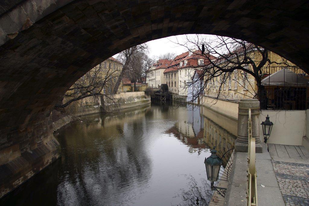 http://www.tunliweb.no/Bilder_SM/_album_Praha2/D1_1024pixel.jpg