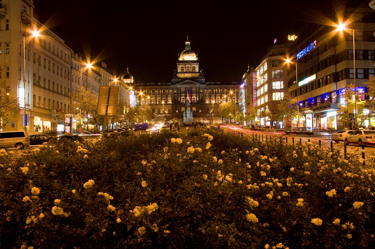 http://www.tunliweb.no/Bilder_SM/_album_Praha2/F1-praha.jpg