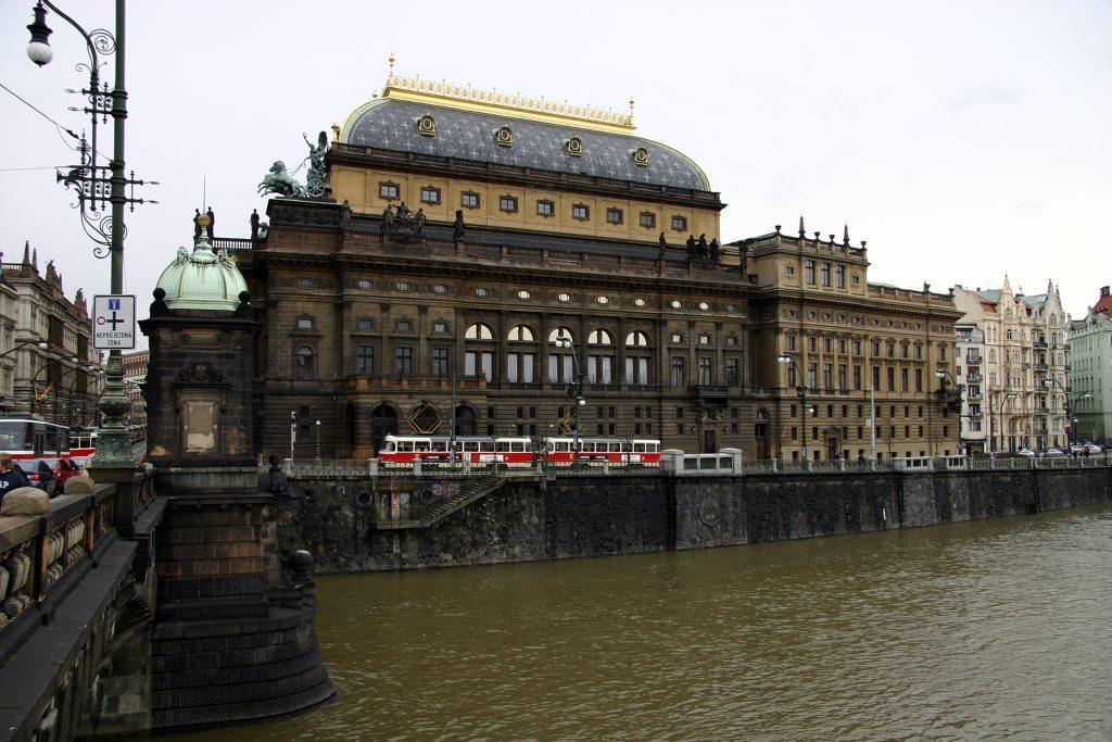 http://www.tunliweb.no/Bilder_SM/_album_Praha2/z2_1024pixel.jpg