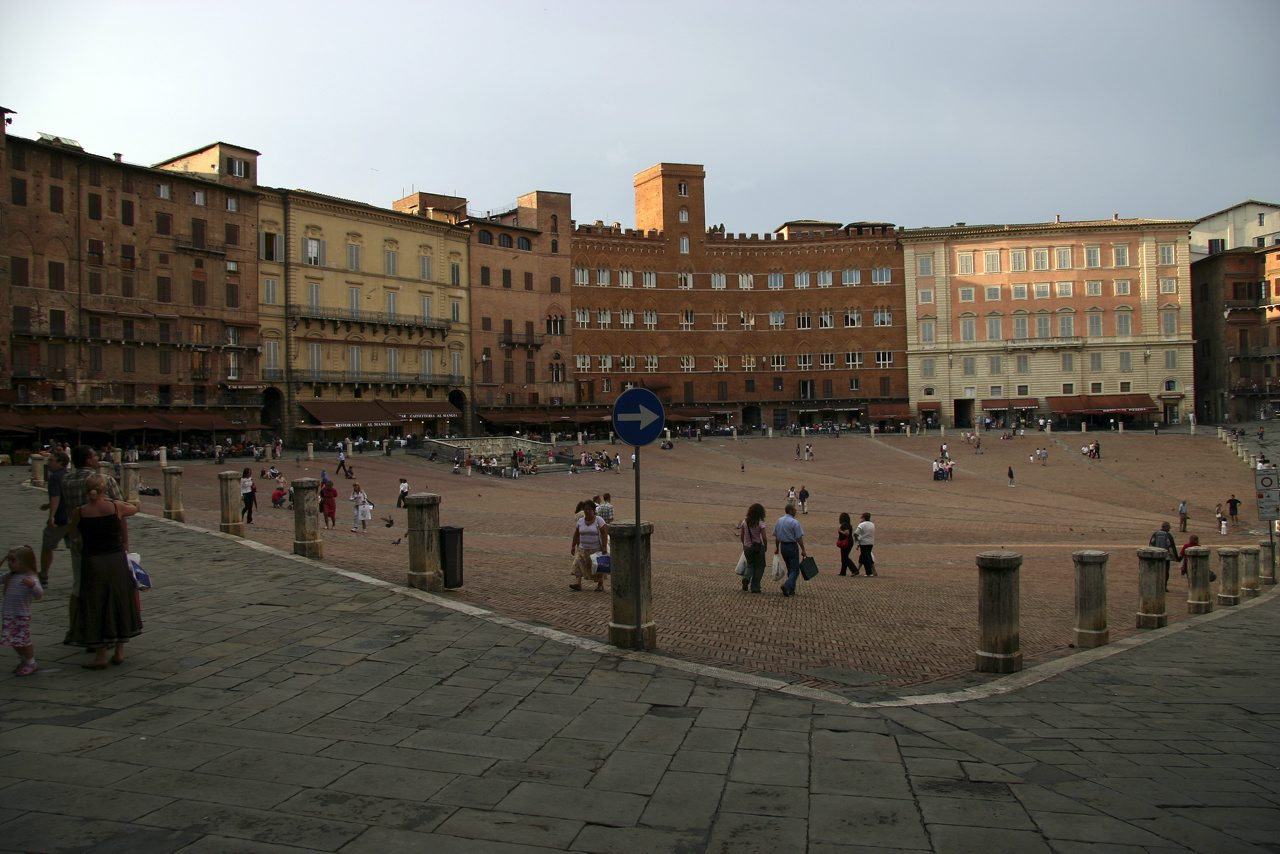 http://www.tunliweb.no/Bilder_SM/_album_Toscana/c1_1280pixel.jpg