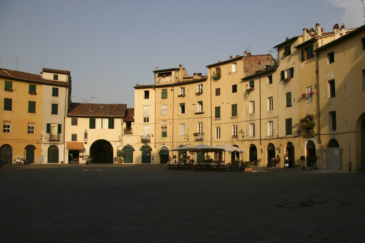 http://www.tunliweb.no/Bilder_SM/_album_Toscana/d2_1280pixel.jpg
