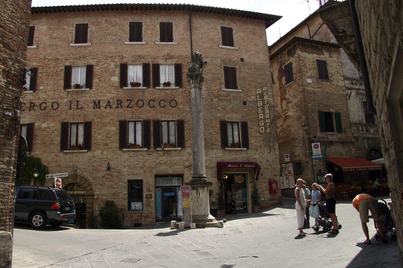 http://www.tunliweb.no/Bilder_SM/_album_Toscana/f2_1280pixel.jpg