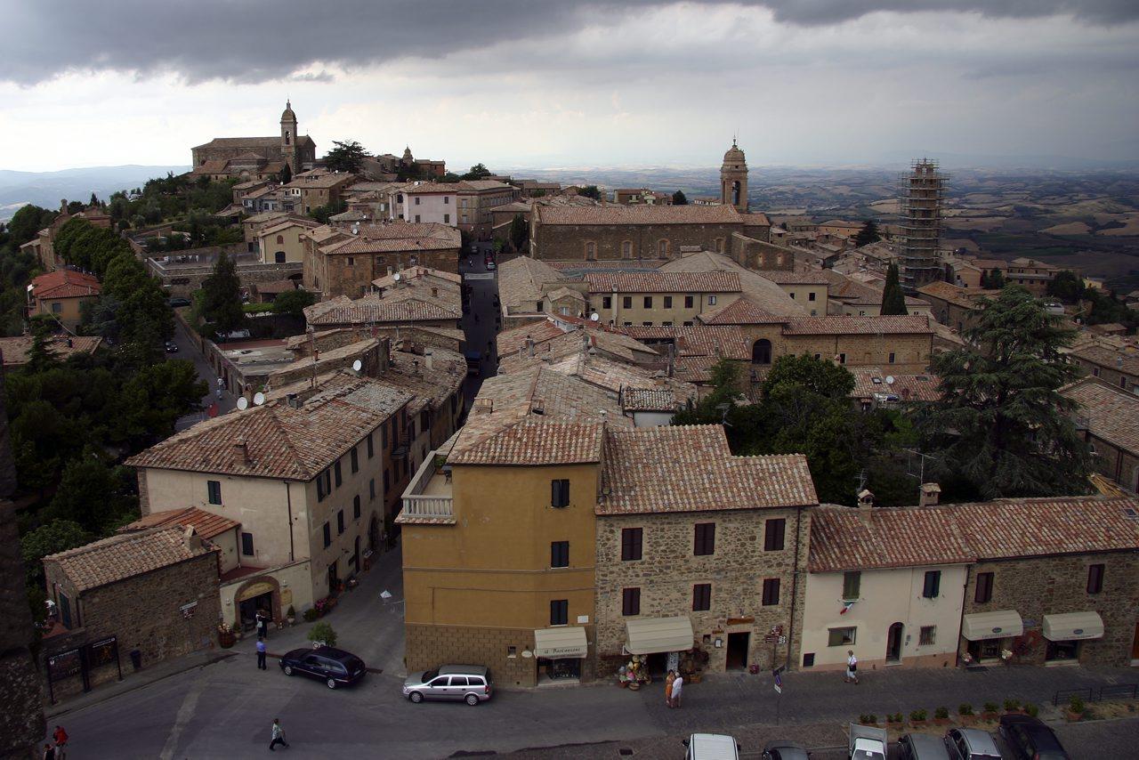 http://www.tunliweb.no/Bilder_SM/_album_Toscana/h2_1280pixel.jpg