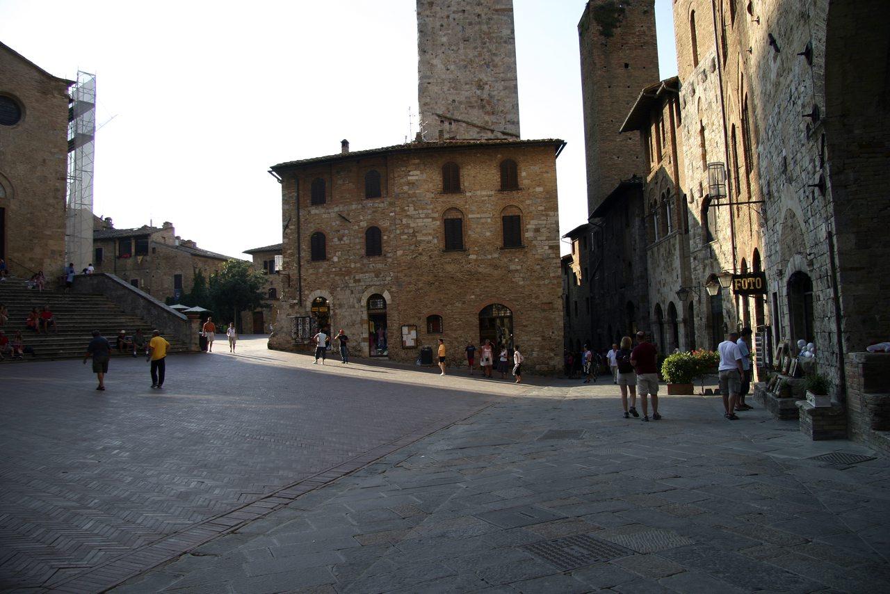 http://www.tunliweb.no/Bilder_SM/_album_Toscana/j1_1280pixel.jpg