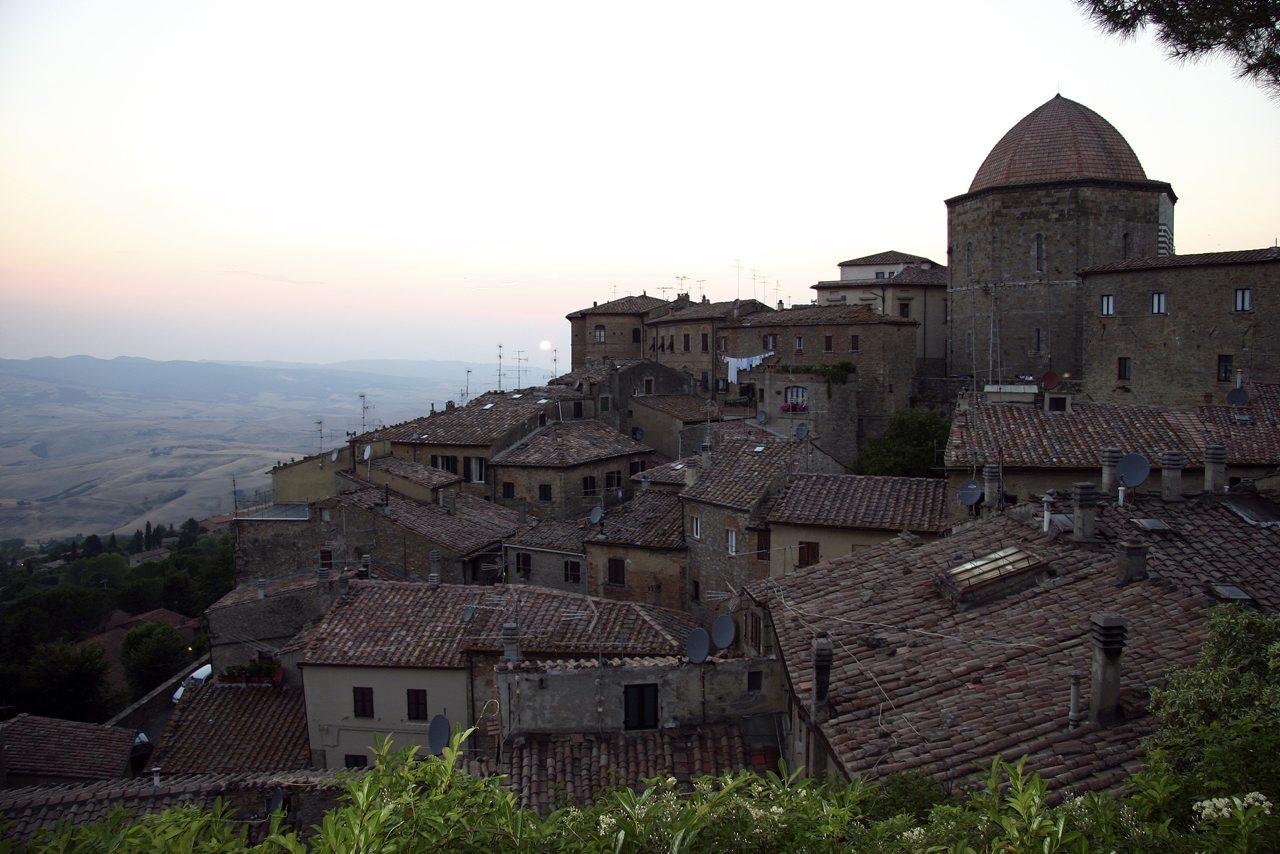http://www.tunliweb.no/Bilder_SM/_album_Toscana/j2_1280pixel.jpg