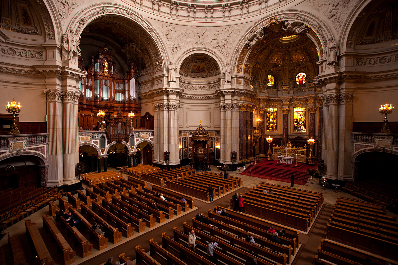 berlin cathedral church largest church in berlin photos. Black Bedroom Furniture Sets. Home Design Ideas