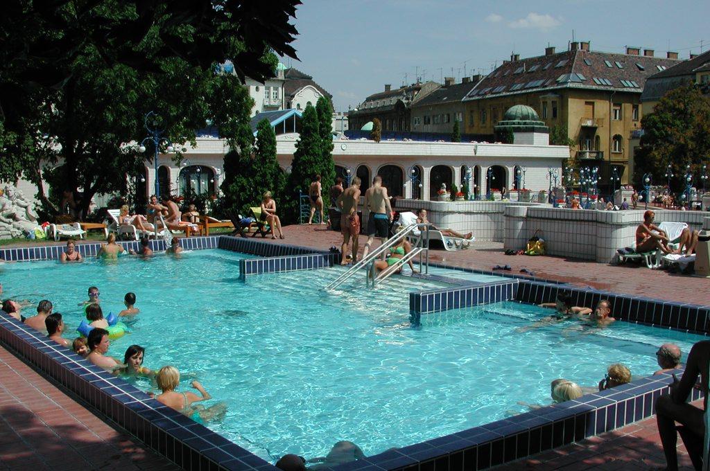 http://www.tunliweb.no/Bilder_SM/_album_budapest/DSCN0387_1024pixel.jpg