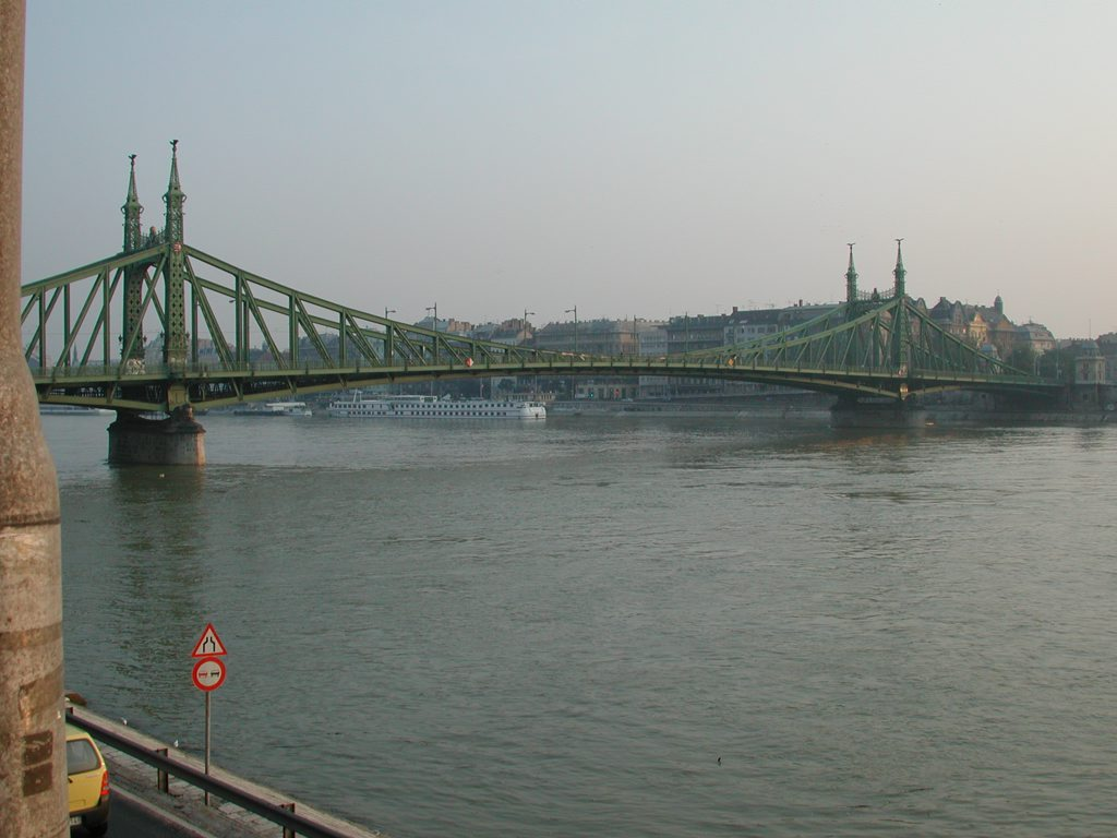 http://www.tunliweb.no/Bilder_SM/_album_budapest/DSCN5931_1024pixel.jpg