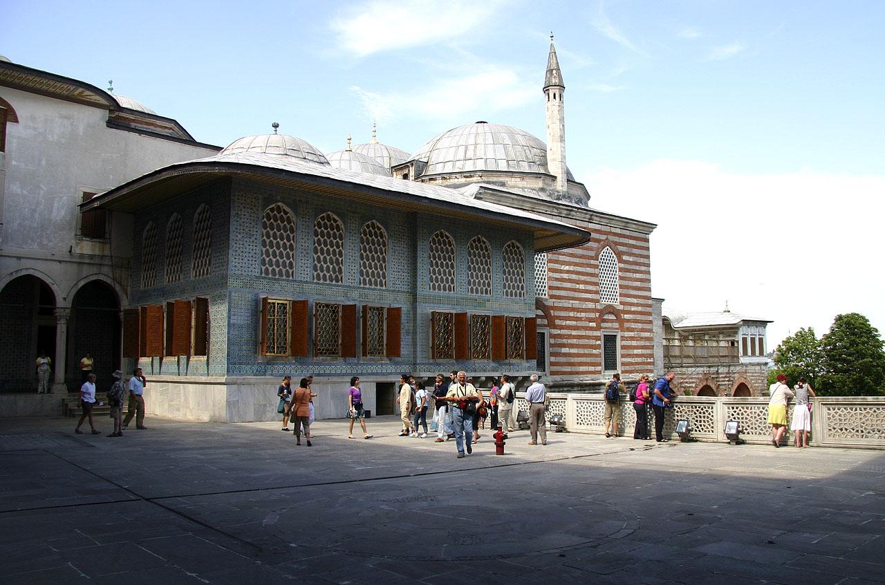 http://www.tunliweb.no/Bilder_SM/_album_istanbul/6822_topkapi_paalce.jpg