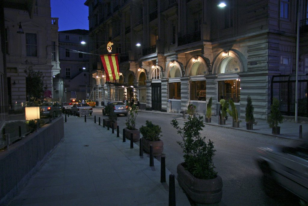http://www.tunliweb.no/Bilder_SM/_album_istanbul/IMG_6763_1024pixel.jpg