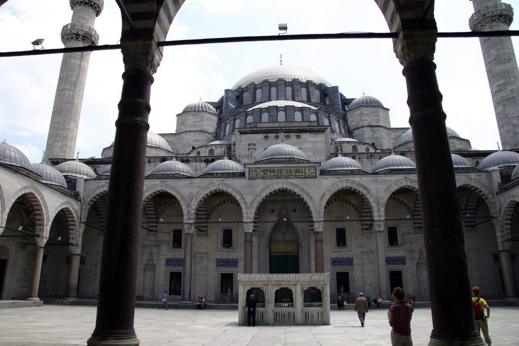 http://www.tunliweb.no/Bilder_SM/_album_istanbul/IMG_6864_1024pixel.jpg