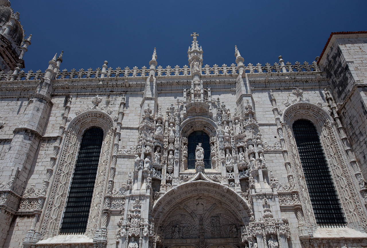 Photos from lisbon portugal by photographer svein magne for 3 famous landmarks