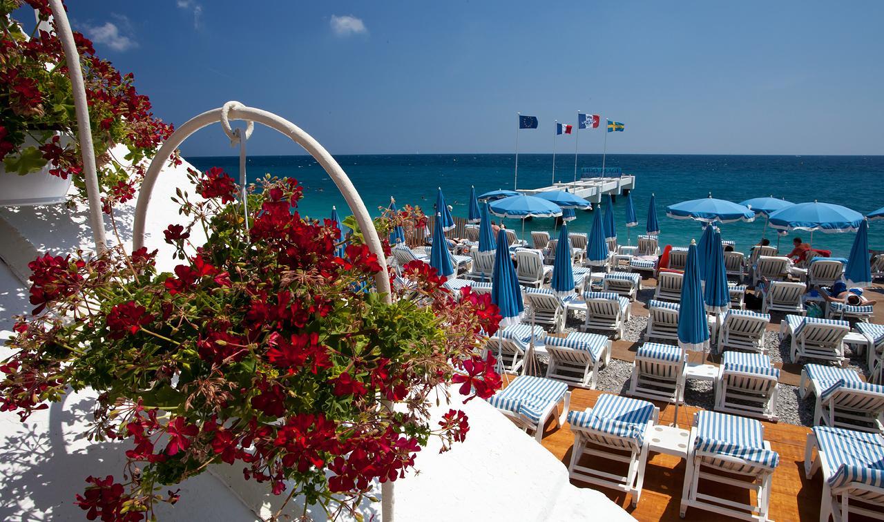 The beautiful beach in Nice