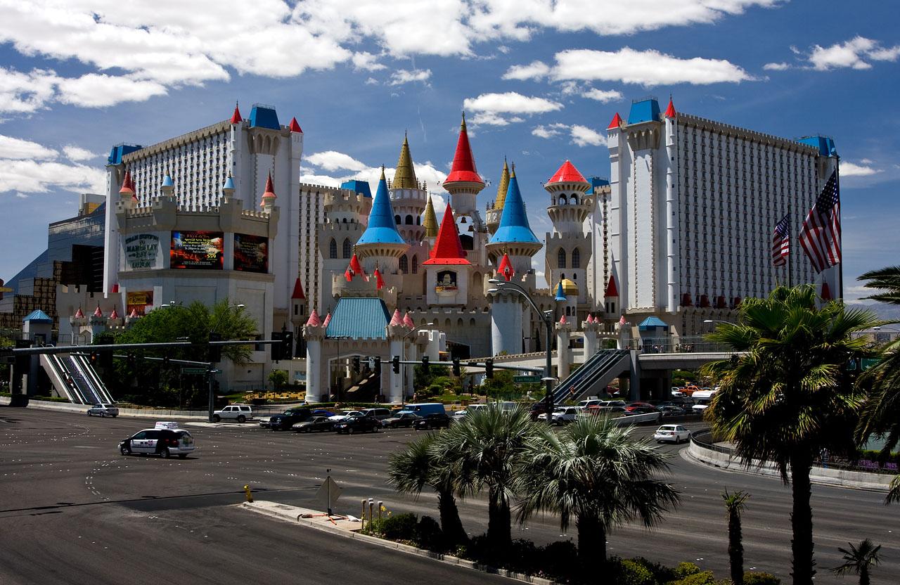 excalibur hotel suites